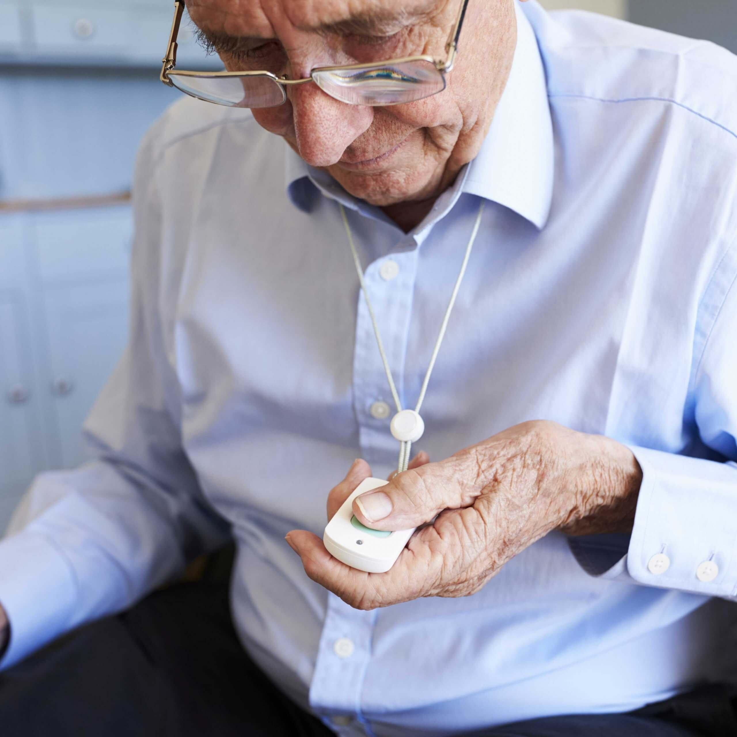 Telesoccorso per anziani, come funziona